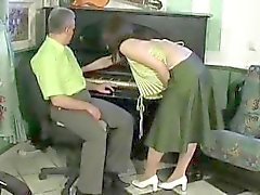Old man fucks sexy brunette chick who seduces him