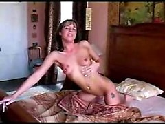 Euro-babe toying together with her vagina while smoking