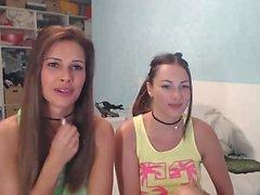 Hot brunette babe entertains on webcam
