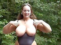 Hotwife takes BBC's facial