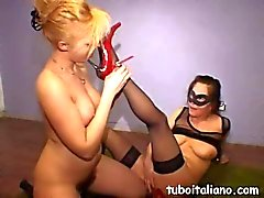 Two Italian milfs get kinky with each other