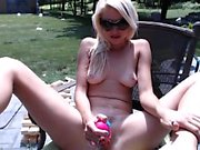 Amateur girlfriend toys and sucks outdoor with facial