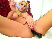 Horny babes masturbate themselves close by toys