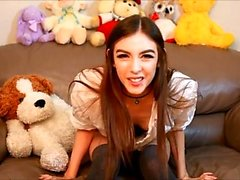 Webcam beauty and her toys have solo sex