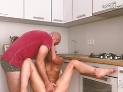 He Knows What She Likes! Real Sex from a Hot Couple with Amazing Ending