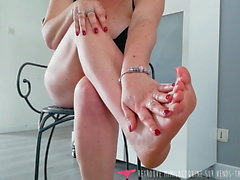 Foot Fetish French naughty MILF - Vends-ta-culotte - Amateur