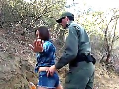 Amateur babe banged by Mexican BP agent for sneaking