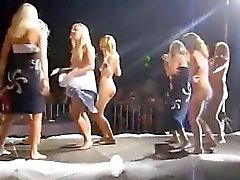 Nude dance that is public